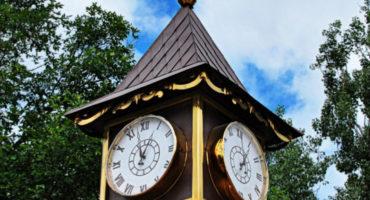 Уличные шестиметровые часы